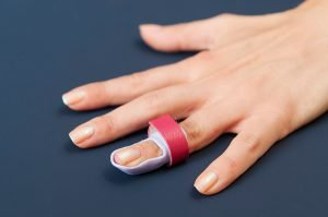 Schiene nach einer Strecksehnenverletzung
