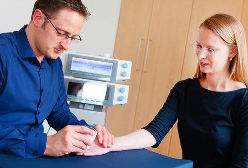 Ergotherapie Handtherapie Narbenbehandlung